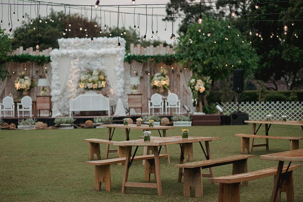Dekorasi Pernikahan Tema Rustic Dijamin Bakalan Mengesankan