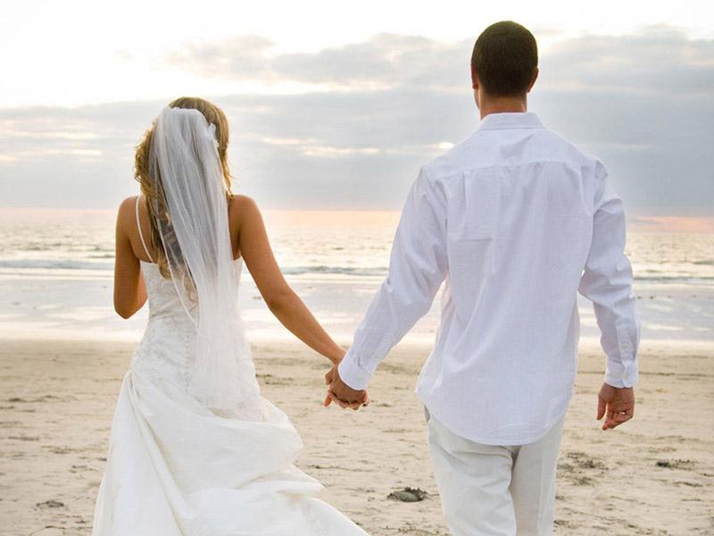 Ragam Orang Melihat Orang yang Menikah, Kamu Masuk Tipe Mana?